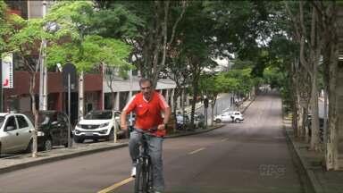 Moradores do bairro Bigorrilho, em Curitiba, se uniram para enfrentar a falta de segurança - Comerciantes do bairro reclamam de frequentes assaltos.