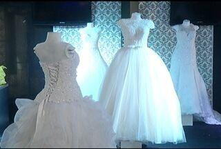 Feira de Noivas é realizada em Montes Claros - Evento traz as tendências e exposições de produtos relacionados ao universo dos casamentos.