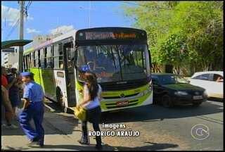 Empresas de ônibus coletivos tem Petrolina tem novo prazo para renovar a frota - O prazo para renovação da frota de veículos vai até o fim de 2015. O prazo inicial dado pelo Ministério Público de Pernambuco encerraria na última terça-feira.