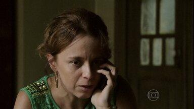 Lorraine avisa Érika sobre o sequestro de Cristina - Xana pede ajuda a Antoninho para resgatar a esposa de Vicente