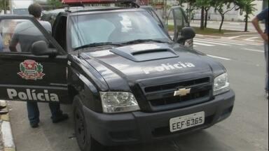"""Veja no JH: Polícia de São Paulo procura 14 toneladas de dinamite roubadas de caminhão - Homem rouba carro e na fuga bate em seis veículos no Distrito Federal. """"Hoje em casa.com"""" mostra novidades em feiras de decoração em São Paulo."""