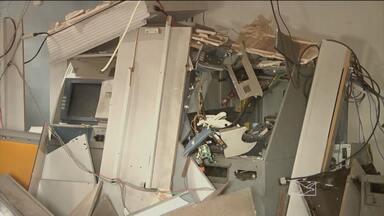 Polícia Rodoviária faz operação para diminuir assaltos a bancos no interior do Maranhão - Em Balsas, três pessoas foram presas transportando armas num carro.