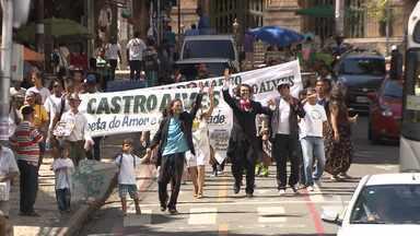 Dia Mundial da Poesia é lembrado com eventos em Salvador e no interior - Na capital teve até um sósia de Castro Alves; confira.