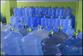 Aprenda como limpar galão de água antes de usar - Falta de higiene compromete qualidade da água