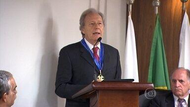 Presidente do STF é homenageado em Belo Horizonte - Lewandowski recebeu o colar do mérito judiciário militar por sua contribuição à sociedade brasileira.