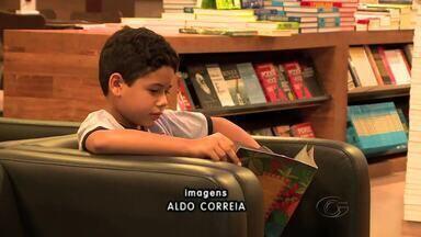 Mercado de literatura infantil tem crescido em Alagoas - Escritores falam que ainda é preciso incentivar as crianças a gostar da leitura dos livros.