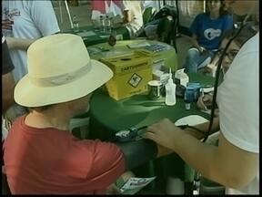 Moradores de Criciúma recebem orientações sobre as doenças renais no dia mundial do rim - Moradores de Criciúma recebem orientações sobre as doenças renais no dia mundial do rim