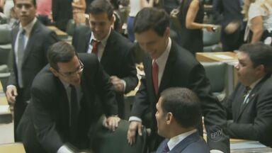 Deputados estaduais tomam posse na Assembleia Legislativa - A cerimônia ocorreu no domingo (15), por volta das 10h, 94 deputados estaduais iniciaram um novo mandato, 8 são da região de Campinas.