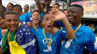 Emoção toma conta de jovens atletas nas finais da Taça das Favelas - Padre Miguel fica com título no masculino, enquanto Barata de Realengo vence no feminino.