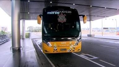 Corinthians embarca para o Uruguai, onde enfrentará o Danúbio - Lider do grupo, Timão pega o lanterna para seguir 100%