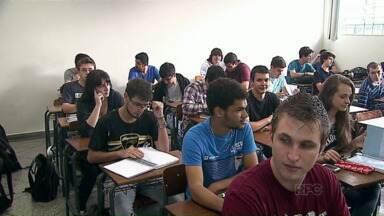 Fim da greve: depois de um mês começam as aulas da UEPG - Os alunos terão aulas nos feriados e nas férias de julho.