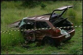 Três feridos em acidente na BR-262 têm alta de hospital em Araxá - Acidente foi em Ibiá; uma criança de sete anos morreu.Após batida em carro, motorista de kombi fugiu do local.