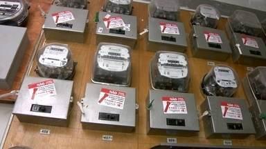 Saiba os cuidados a serem tomados na hora de mudar a rede elétrica - CEB alerta que é preciso tomar alguns cuidados ao fazer mudanças na rede elétrica. Aumentar muito o consumo, sem acompanhamento, causa apagões.