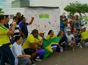 Protestos contra o governo reuniram grupos em Caruaru e Recife - Em pauta, também estava o combate à corrupção.