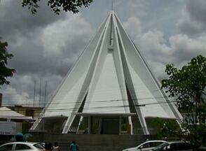 Em Caruaru, Paróquia de Nossa Senhora das Dores investirá R$ 218 mil em obras - Catedral dedicada à santa está em reforma desde 2011 e continua recebendo doações para as intervenções.