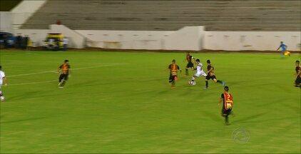 Confira os destaques do jogo entre Campinense e Globo pela Copa do Nordeste - Campinense venceu por 1 a 0 o Globo.