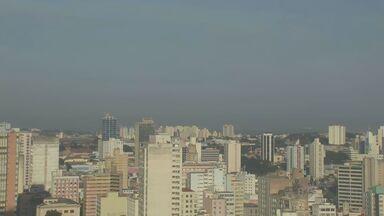 Campinas não tem previsão de chuva para esta quinta-feira (26) - Termômetros marcavam 18ºC no início da manhã na cidade. A temperatura pode chegar aos 30ºC durante a tarde.
