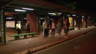 Trabalhadores ficam sem transporte na madrugada - Horário foi alterado sem aviso aos usuários