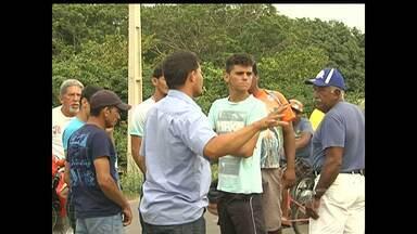 Manifestação contra o Lixão do Perema continua na PA-370 - Segundo eles só devem sair do local quando a prefeitura se posicionar.