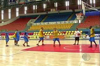 Mogi Basquete se prepara para jogo diante do Bauru pela 14ª rodada do NBB - Equipe fez último treino antes de encarar o líder da competição.