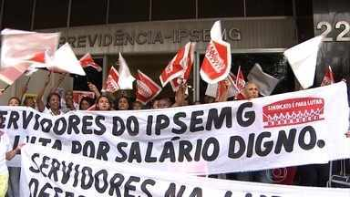 Paralisação de servidores da saúde prejudica atendimento em hospitais de Belo Horizonte - A categoria quer reajuste salarial e melhores condições de trabalho. Funcionários do Ipsemg fizeram protesto em frente ao hospital.