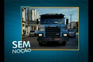 'Sem Noção' flagra carreta trafegando na contramão no centro de Belém - Motorista de carreta ignora leis de trânsito e segue na contramão na avenida Domingos Marreiros.