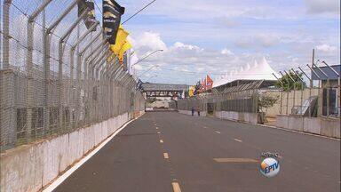 Prova da Stock Car acontece no domingo (5) em Ribeirão Preto - Preparativos para o evento estão sendo feitos para garantir segurança de competidores.