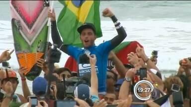 Surfistas de Ubatuba são destaque no Mundial - Filipe Toledo e Wigolly Dantas disputam mais uma etapa do Mundial de Surf na Austrália.