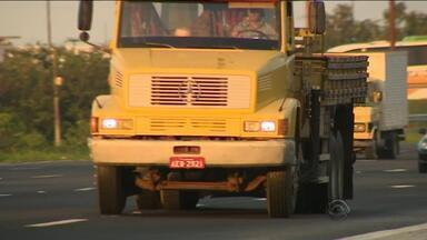 Alguns tipos de caminhões são proibidos de trafegar em rodovias federais - A mudança que já vale para feriado de Páscoa.