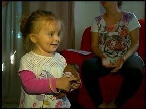 Menina com doença rara não consegue medicamentos - O JA Saúde desta quarta-feira (8) conta a história de uma menina que além da descoberta da doença sofre com a demora para receber os remédios.