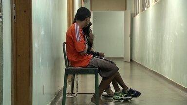 Polícia prende diretor de escola particular de Taguatinga - A prisão aconteceu no momento em que ele entrava no motel de Ceilândia com um rapaz aparentando ser menor de idade.