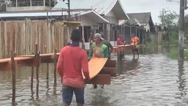 Cheia do Rio Javari alaga Centro de Benjamin Constant, no AM - Defesa Civil já cadastrou quase 5 mil pessoas afetadas pelos alagamentos.