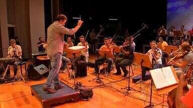 Orquestra Sinfônica da UFMT se apresenta com o cantor Flávio Venturini em MT - Orquestra Sinfônica da UFMT se apresenta com o cantor Flávio Venturini em MT.