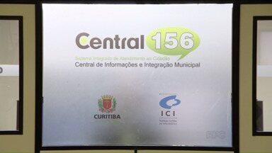 Conheça a Central 156, o canal de atendimento da Prefeitura de Curitiba - A Central 156 existe há mais de 30 anos e o serviço é 24horas.