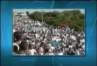 Milhares de pessoas participam em Jaíba, de uma caminhada pela vida e pela paz - Segundo a PM, a caminhada foi pacífica.