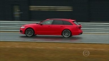 Dois modelos de passeio se beneficiam das experiências das pistas - BMW M4 foi escolhido pelo desenho da carroceria para correr a DTM. Pista da Audi Sport é usada para testar dirigibilidade de carros de rua.