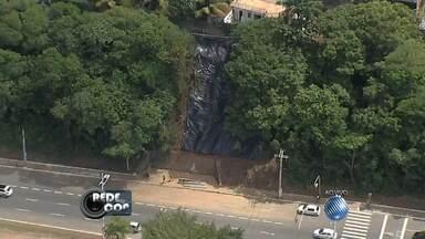 Veja como está a situação na região que soterrou na Avenida Juracy Magalhães - Confira com as imagens do Redecop.