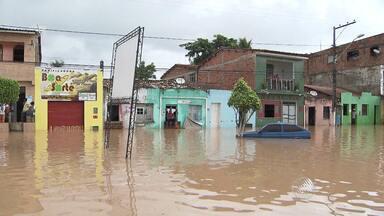 População tenta se reerguer após temporal em Santo Amaro da Purificação - Veja como ficou a cidade e o que fazer para ajudar.