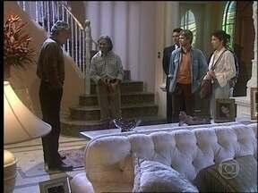 O Rei do Gado - capítulo de segunda-feira, dia 13/04/15, na íntegra - Bruno recebe Jacira e Regino em sua casa e promete ajudá-los