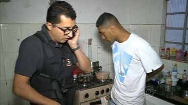 Polícia de SP prende quadrilha que aplicava golpe da saidinha de banco - Oito pessoas foram presas; golpes eram registrados por câmeras de segurança. Em bairros mais populosos de SP, são feitos 300 saques de dinheiro por dia.