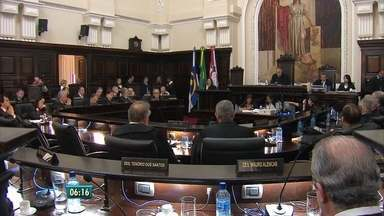 TJPE se reúne novamente em maio para decidir impasse sobre orçamento do Judiciário - Governador enviou carta à reunião de desembargadores nesta segunda.