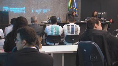Começa julgamento dos acusados da morte do advogado Manoel Mattos - Assassinato aconteceu há seis anos. Mattos ficou conhecido pelo combate a grupos de extermínio que agiam na divisa entre Pernambuco e Paraíba.
