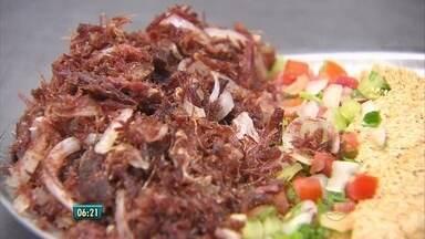 Arrumadinho do Bar do Tonhão é um dos concorrentes do Comida di Buteco - Cozinheiro do restaurante dá as dicas para fazer o prato.