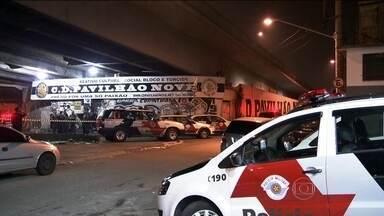Polícia de São Paulo procura três suspeitos de chacina - Pelo menos oito pessoas foram assassinadas, no que a polícia acredita ser um acerto de contas do tráfico de drogas.