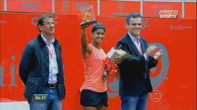 Tenista pernambucana vence WTA de Bogotá e quebra jejum de 27 anos - Confira também as notícias dos times de futebol.
