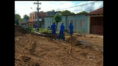 Adutora rompe e deixa moradores do Aerporto Velho sem água - Rompimento aconteceu no fim de semana. Uma equipe da Cosanpa foi acionada.