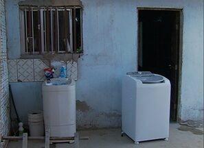 Mulher morre após sofrer descarga elétrica quando lavava roupa em casa - Acidente ocorreu no Loteamento Morada Nova, em Santa Cruz do Capibaribe.