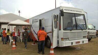 Defesa Civil de Fortaleza cria ônibus para fazer atendimento itinerante - Moradores de áreas de risco estão sofrendo com enchentes.