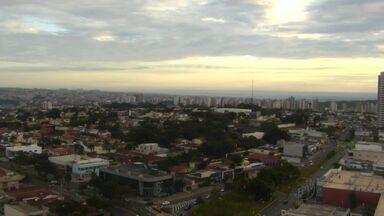 Confira como fica o tempo em Ribeirão Preto nesta terça (19) - Dia deve ser de chuva e máxima prevista fica nos 25 graus.