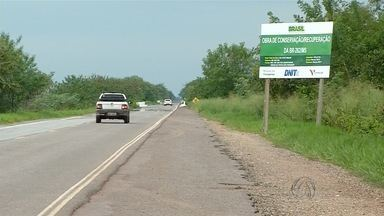 Conheça os problemas da rodovia BR-262 - Veja a situação das estrada nas proximidades de Corumbá (MS)